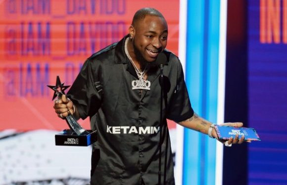 Davido makes Africa proud as first time winner on stage for 2018 BET Best International Act
